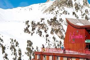 Arc 2000 - L'Aiguille Rouge  (Club en demi-pension Liberté ou Pension Complète - Remontées mécaniques incluses)