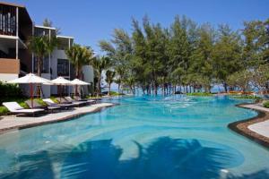 Hôtel Holiday Inn Phuket Mai Khao Beach Resort ****