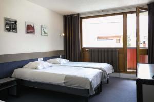 """Les 2 Alpes - Belambra Clubs """"L'Orée des Pistes""""  (Hotel en demi-pension)"""