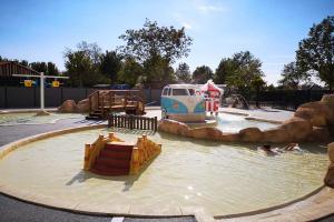 Amwaj Blue Beach Resort & Spa - 4*