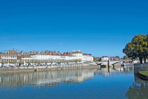 Croisière exceptionnelle sur la Saône pour accueillir le Beaujolais Nouveau (formule port/port)