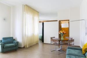 Apartments Alkmini 3*