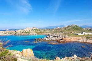 Grand tour de Corse au départ de Nice, l'île de beauté révèle ses trésors (formule port-port)