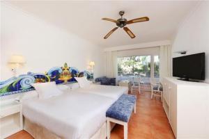Aparthotel Miami Park 3*