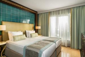 Onriver Hotels Ms Cezanne 4*