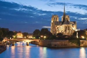 Citytrip aux portes de Paris avec croisière et apéro sur la Seine  - 3*