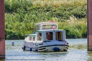 Canal de Nantes à Brest en bateau sans permis : Au coeur du Morbihan
