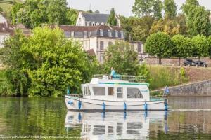 Canal de la Marne au Rhin en bateau sans permis : L'Alsace authentique