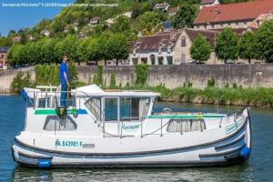 Canal de la Marne au Rhin en bateau sans permis : Au pays de la mirabelle