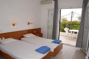 Chandris Apartments 3*