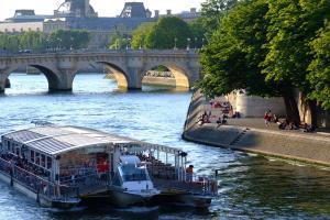 Week-end romantique à Paris avec dîner-croisière sur la Seine  - 4*