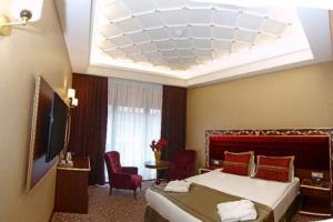 Mb Deluxe Hotel 4*