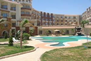 Royal Beach Resort 3*