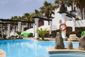 Aparthotel Esquinzo Y Monte Del Mar 3*